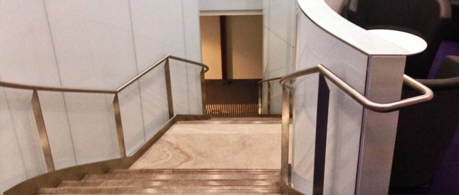 virgin-lounge-stairs-sydney-airport